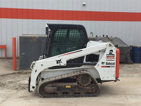 2016 Bobcat T450 in Fort Wayne, Indiana