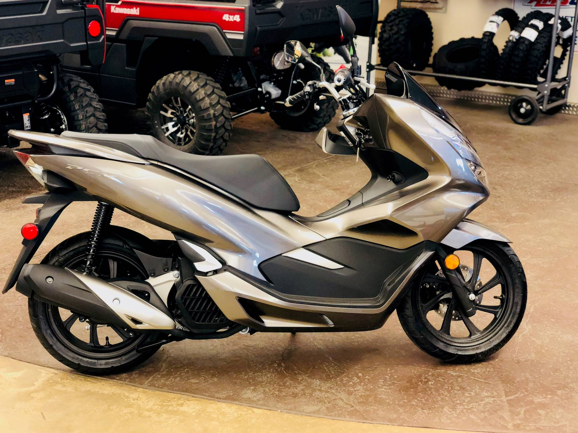 2019 Honda PCX150 in Cedar Falls, Iowa - Photo 2