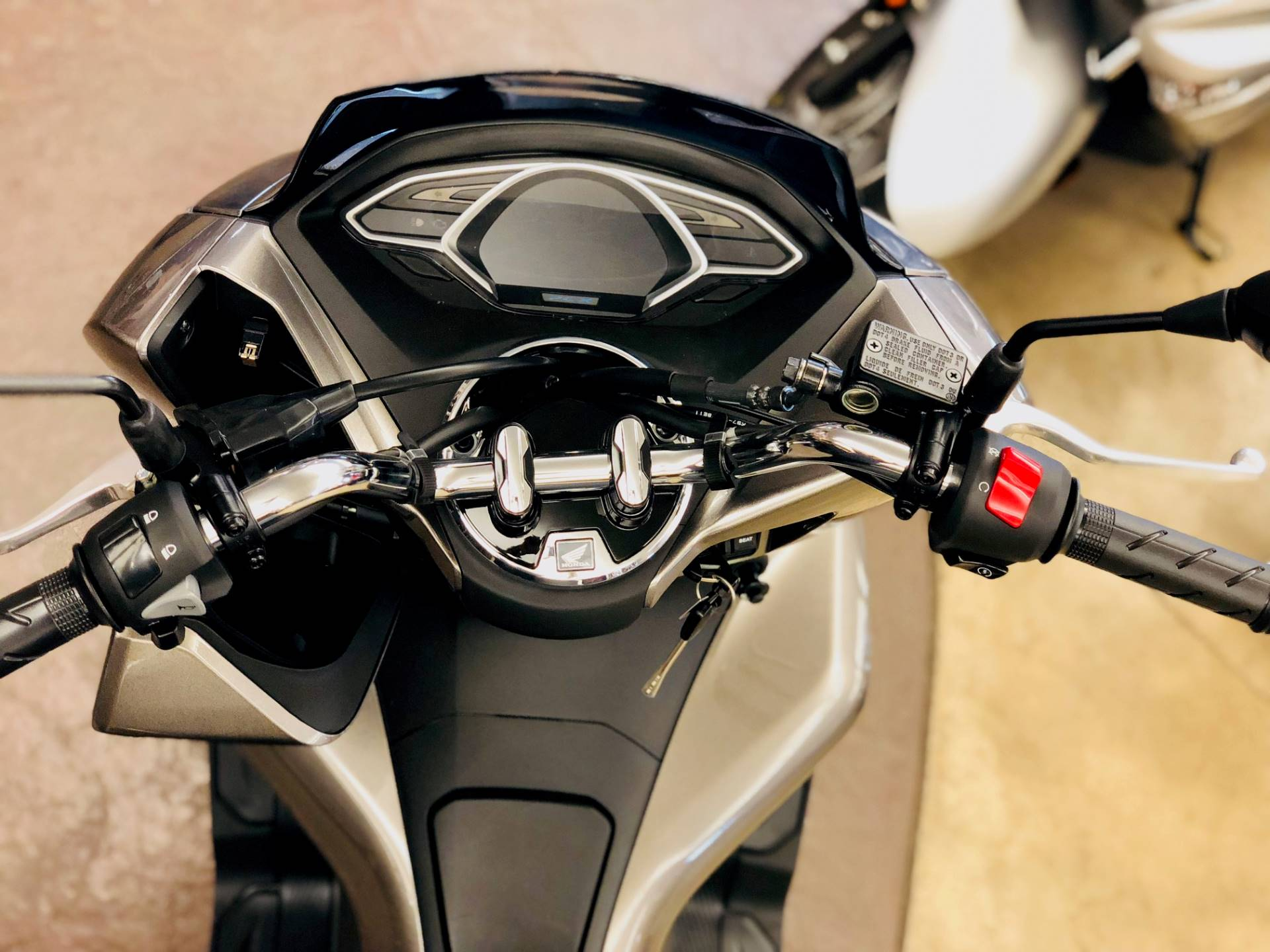 2019 Honda PCX150 in Cedar Falls, Iowa - Photo 4