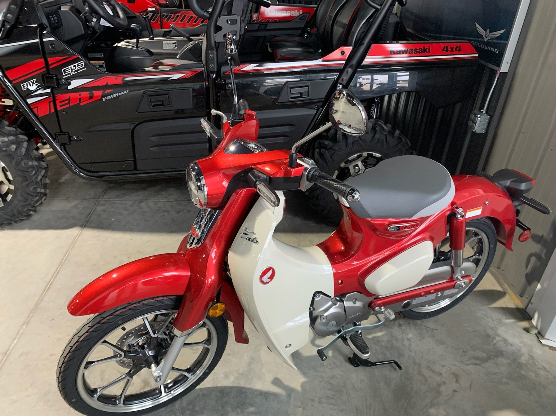 2020 Honda Super Cub C125 ABS in Cedar Falls, Iowa - Photo 2