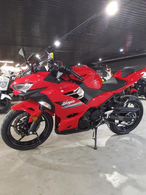 2021 Kawasaki Ninja 400 ABS in Cedar Falls, Iowa - Photo 3