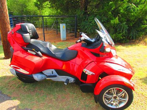 2011 Can-Am Spyder® RT-S SM5 in Jones, Oklahoma