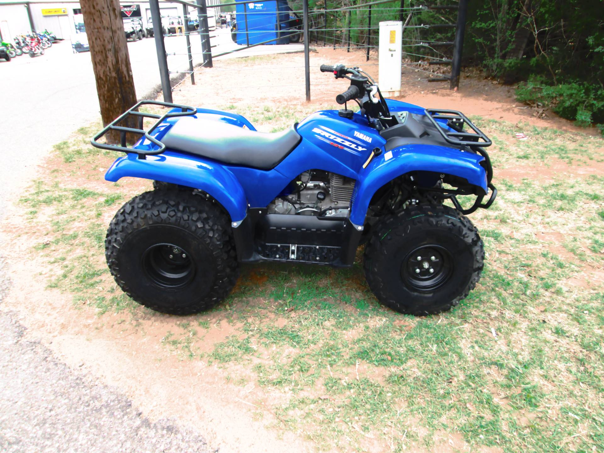 2011 Yamaha Grizzly 350 Automatic in Jones, Oklahoma