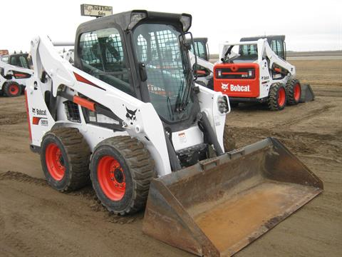 2014 Bobcat S590 in Wahpeton, North Dakota