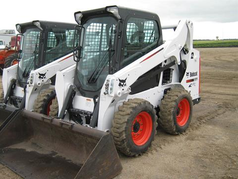 2016 Bobcat S570 in Wahpeton, North Dakota