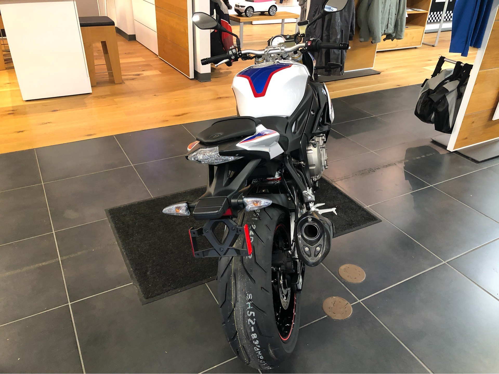 2020 BMW S 1000 R in Louisville, Tennessee - Photo 5
