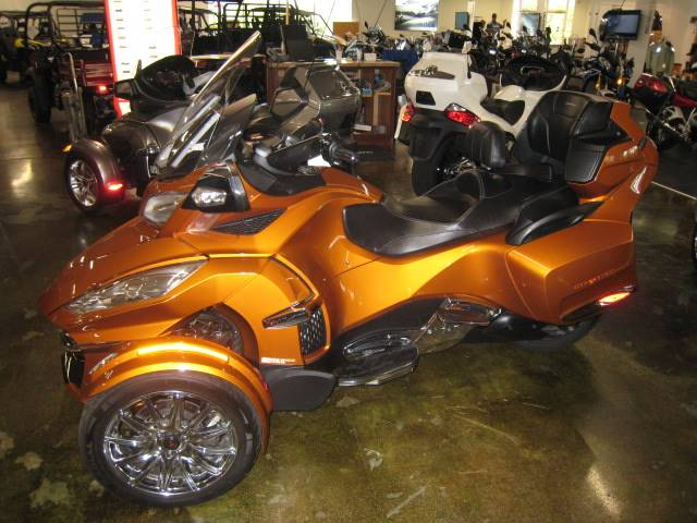 2014 Can-Am Spyder® RT Limited in Louisville, Tennessee