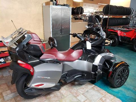 2015 Can-Am Spyder® RT-S Special Series SE6 in Louisville, Tennessee - Photo 6