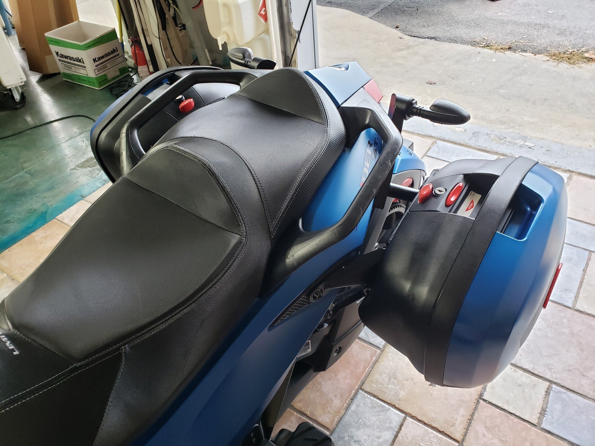 2015 Can-Am Spyder® ST Limited in Louisville, Tennessee - Photo 6