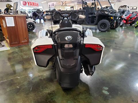 2016 Can-Am Spyder F3-T SE6 w/ Audio System in Louisville, Tennessee - Photo 4