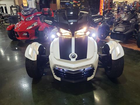 2016 Can-Am Spyder F3-T SE6 w/ Audio System in Louisville, Tennessee - Photo 12