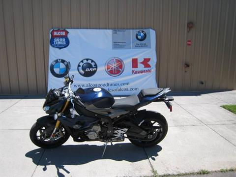 2015 BMW S 1000 R in Louisville, Tennessee