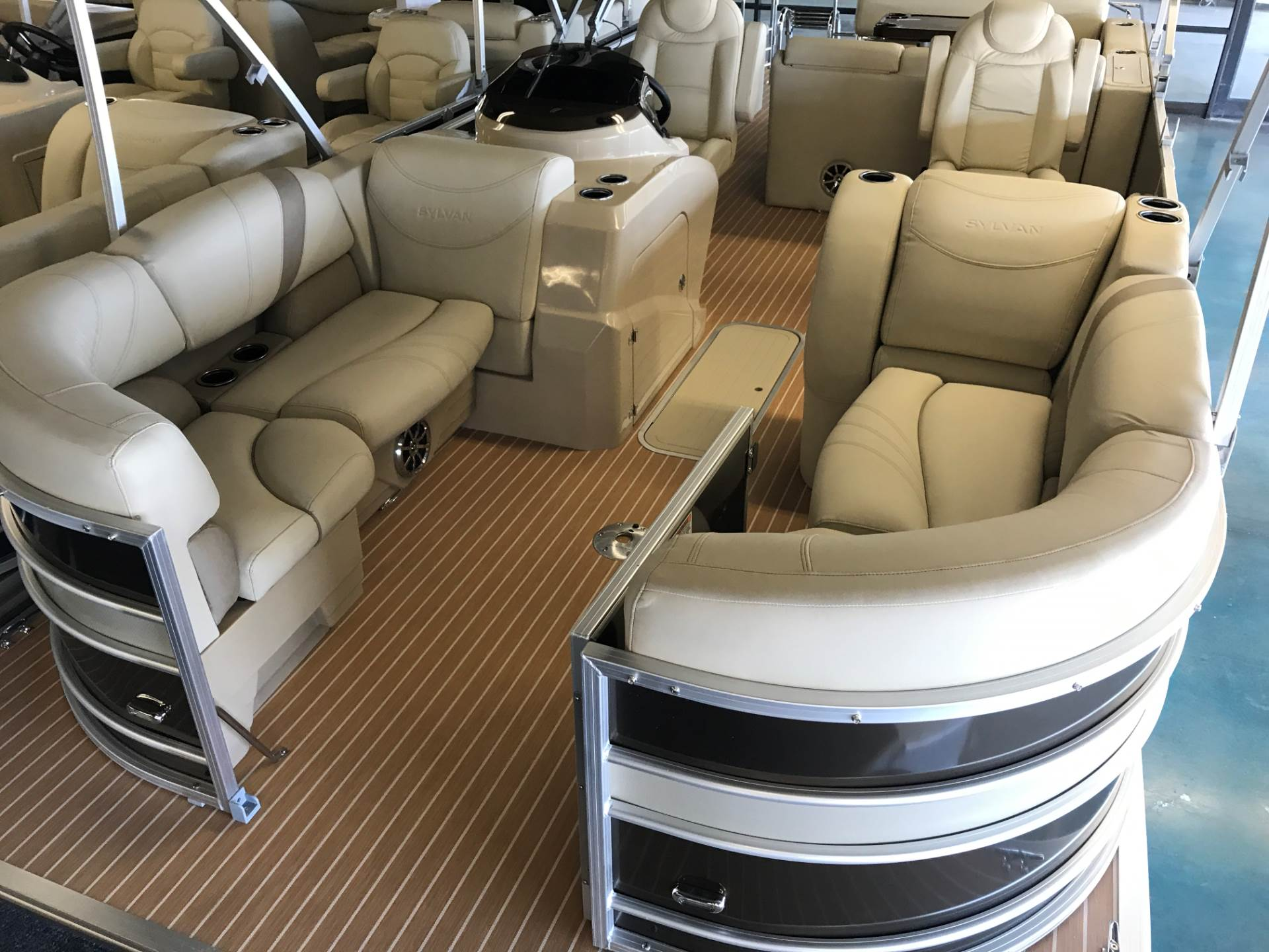 2017 Sylvan MIRAGE 8524 DLZ in Fort Worth, Texas