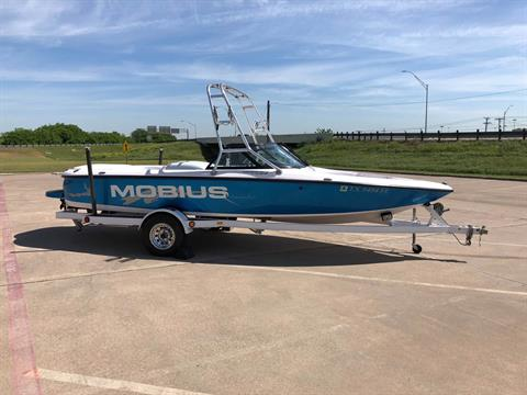 1999 Moomba mobius in Fort Worth, Texas