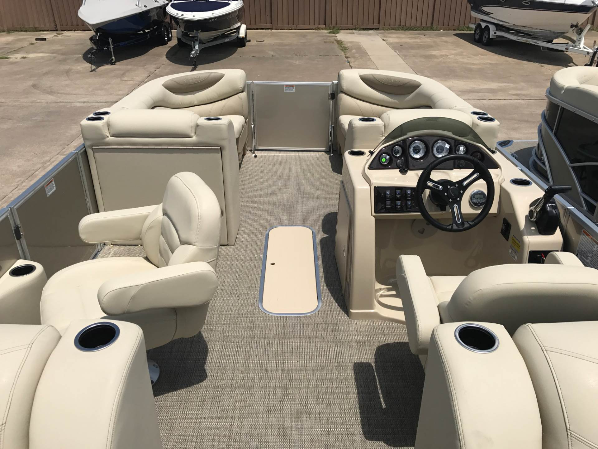2018 Sylvan 8522 LZ in Fort Worth, Texas
