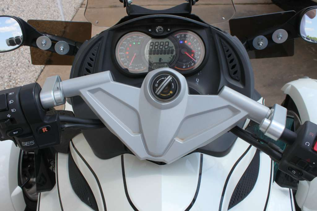 2012 Can-Am Spyder® RS SE5 in Stillwater, Oklahoma