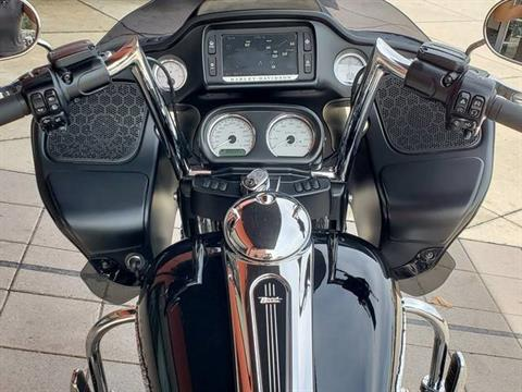 2018 Harley-Davidson Road Glide® in Orlando, Florida - Photo 4