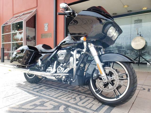 2018 Harley-Davidson Road Glide® in Orlando, Florida - Photo 10