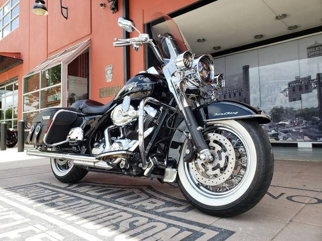 2011 Harley-Davidson Road King® Classic in Orlando, Florida - Photo 10