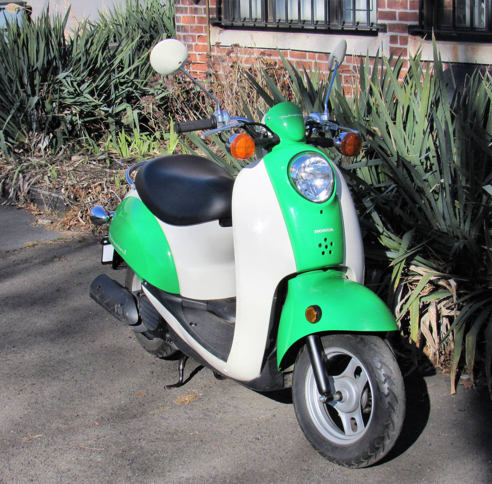 2004 Honda Metropolitan II in New Haven, Connecticut - Photo 1