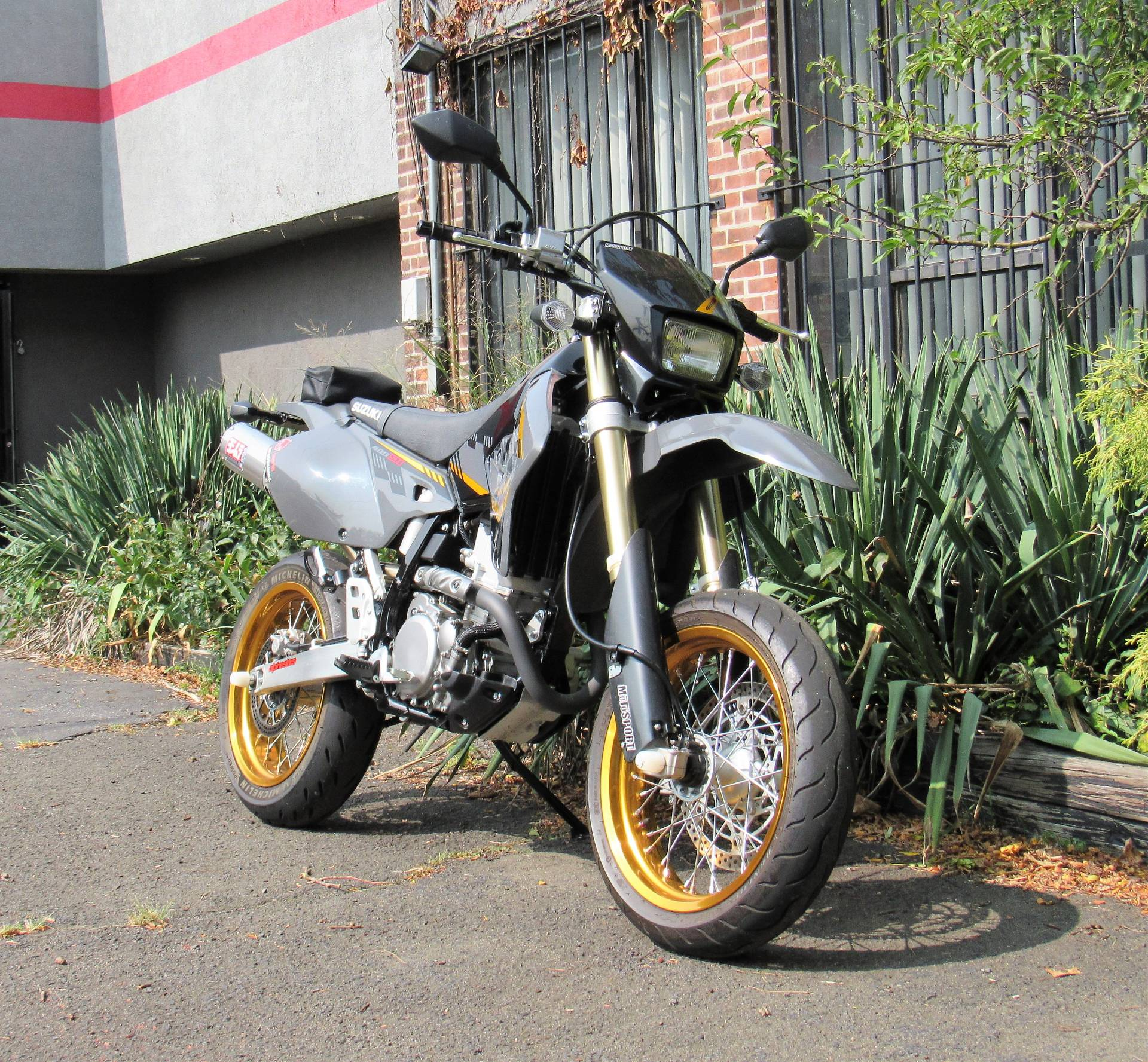 2016 Suzuki DR-Z400SM in New Haven, Connecticut - Photo 2