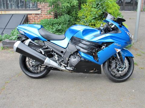 2012 Kawasaki Ninja® ZX™-14R in New Haven, Connecticut