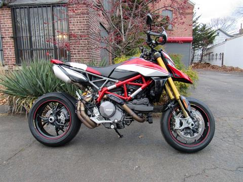 2019 Ducati Hypermotard 950 SP in New Haven, Connecticut - Photo 3
