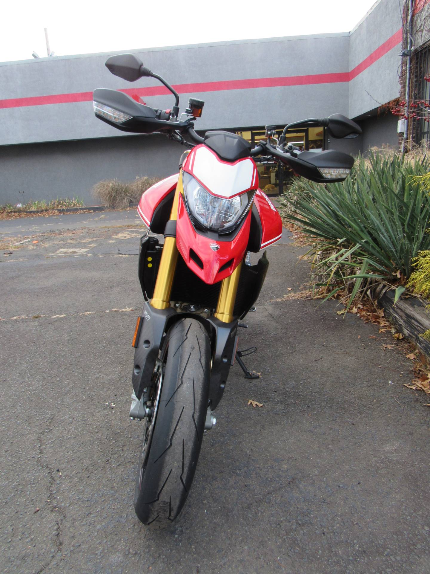 2019 Ducati Hypermotard 950 SP in New Haven, Connecticut - Photo 5