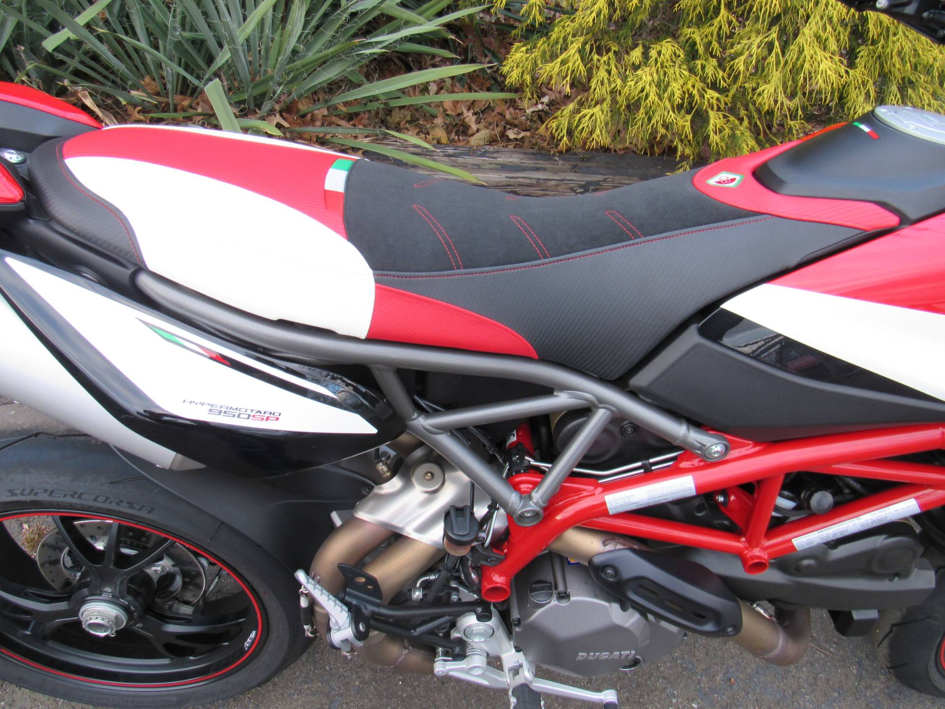 2019 Ducati Hypermotard 950 SP in New Haven, Connecticut - Photo 11