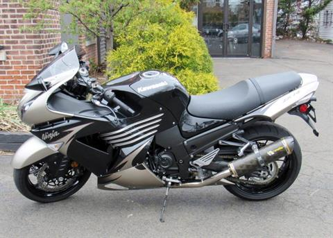 2010 Kawasaki Ninja® ZX™-14 in New Haven, Connecticut