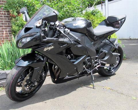 2010 Kawasaki Ninja® ZX™-10R  in New Haven, Connecticut