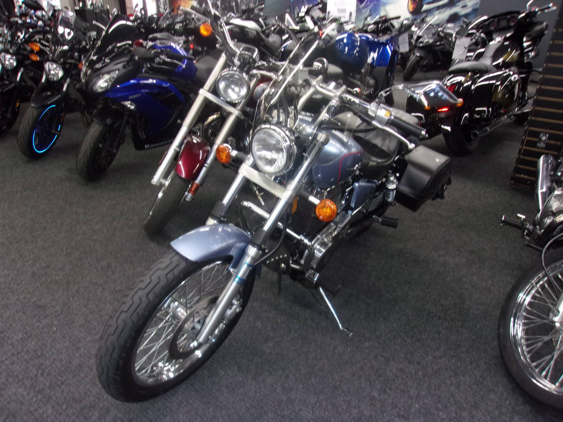 2006 Suzuki Boulevard S40 in Philadelphia, Pennsylvania - Photo 3