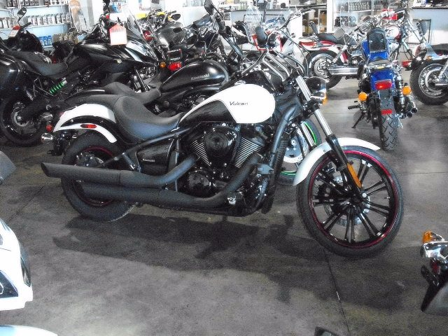 2016 Kawasaki Vulcan 900 Custom in Highland, Illinois