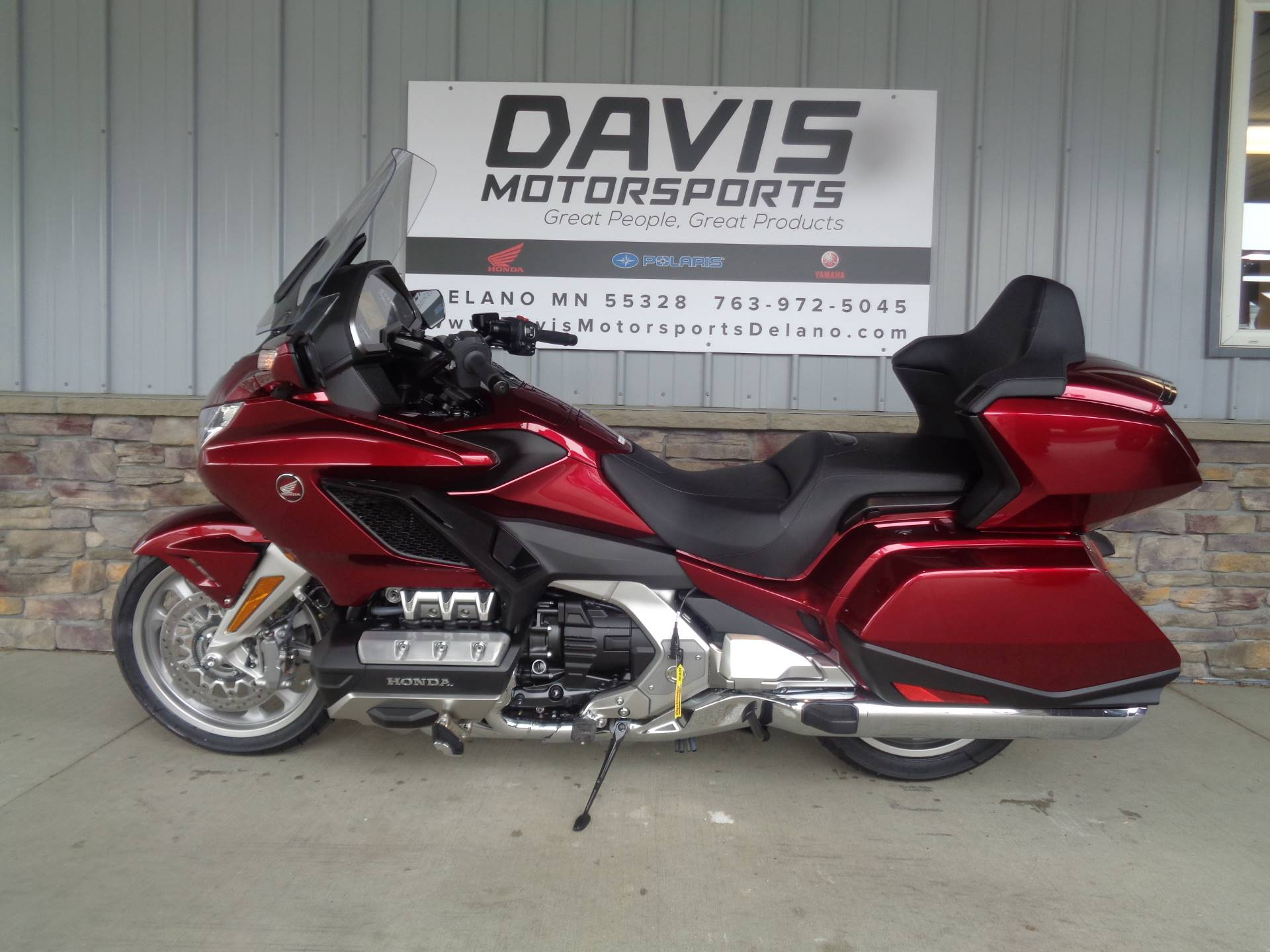 2018 Honda Gold Wing Tour Automatic DCT in Delano, Minnesota - Photo 2