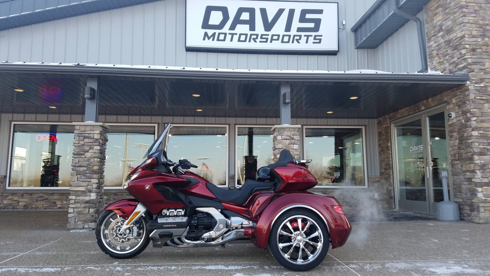 2018 Honda Gold Wing Tour Automatic DCT in Delano, Minnesota - Photo 7