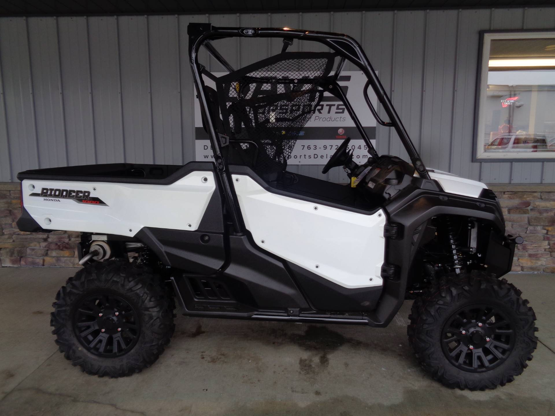 2020 Honda Pioneer 1000 Deluxe in Delano, Minnesota - Photo 1