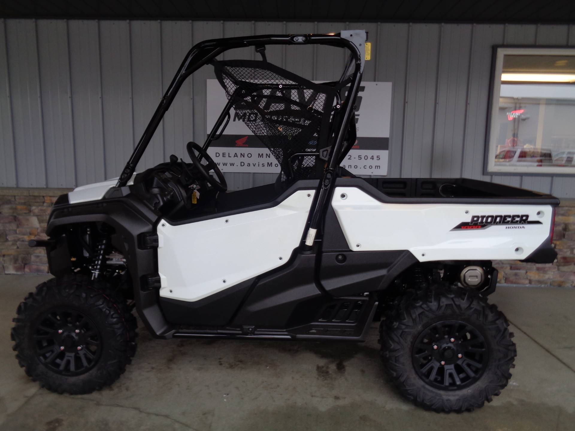 2020 Honda Pioneer 1000 Deluxe in Delano, Minnesota - Photo 2