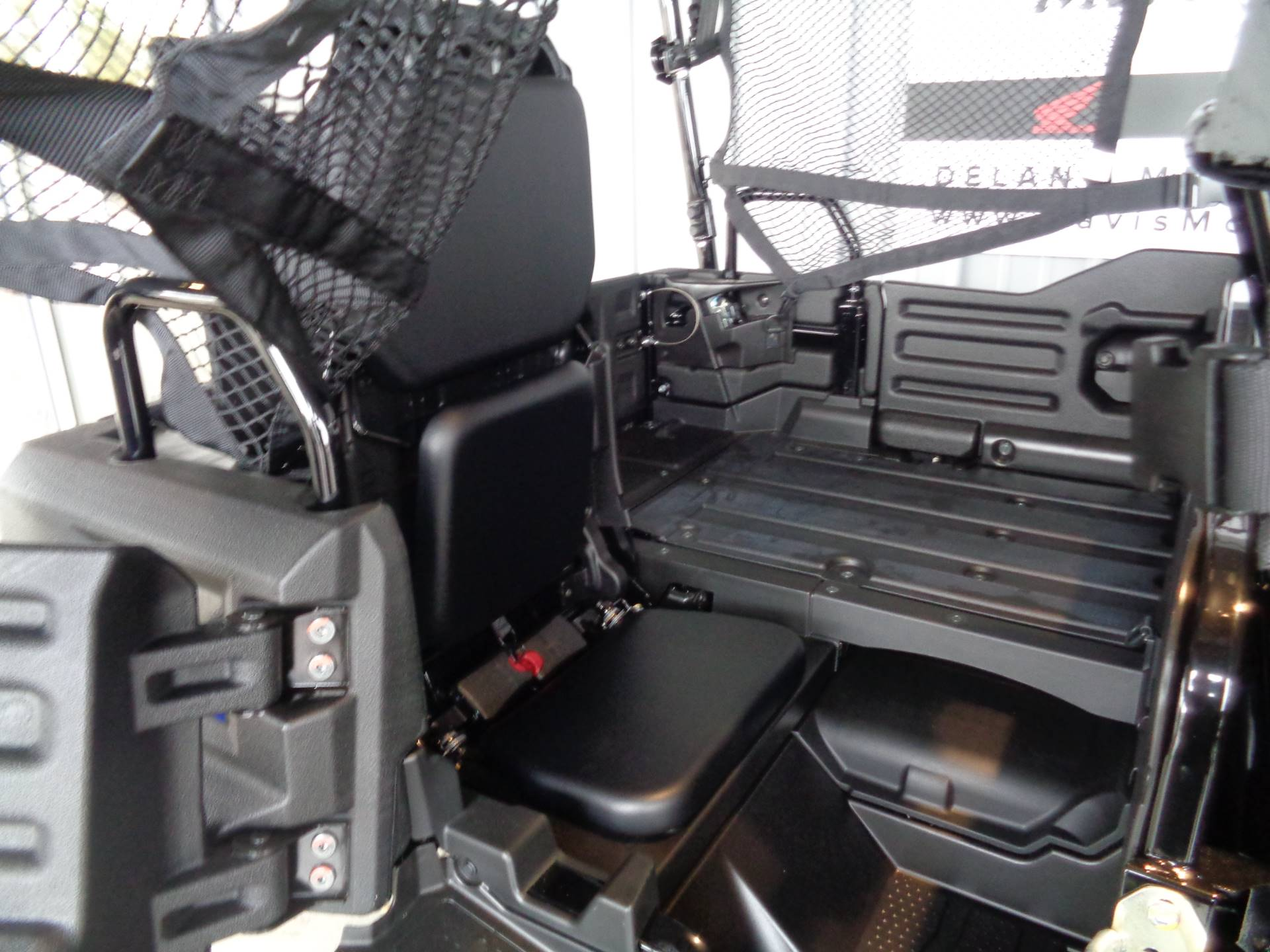 2019 Honda Pioneer 700-4 Deluxe 8
