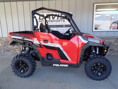 2019 Polaris General 1000 EPS Premium in Delano, Minnesota