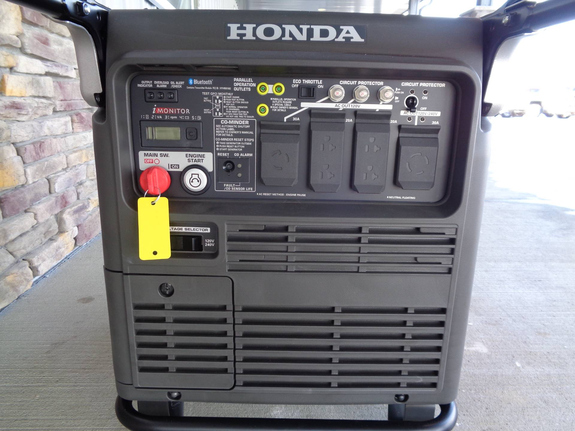 Honda Power Equipment EU7000iS with CO-MINDER in Delano, Minnesota - Photo 3