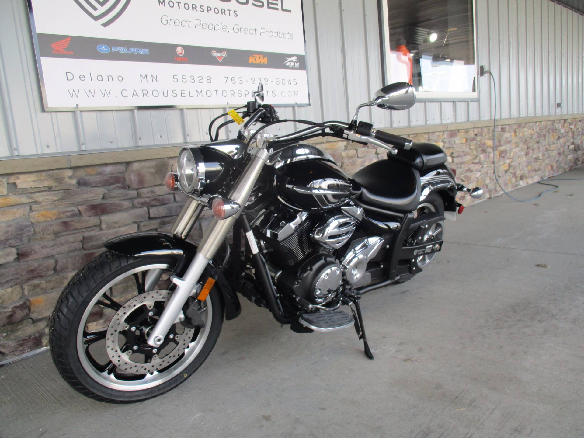 2015 Yamaha V Star 950 in Delano, Minnesota