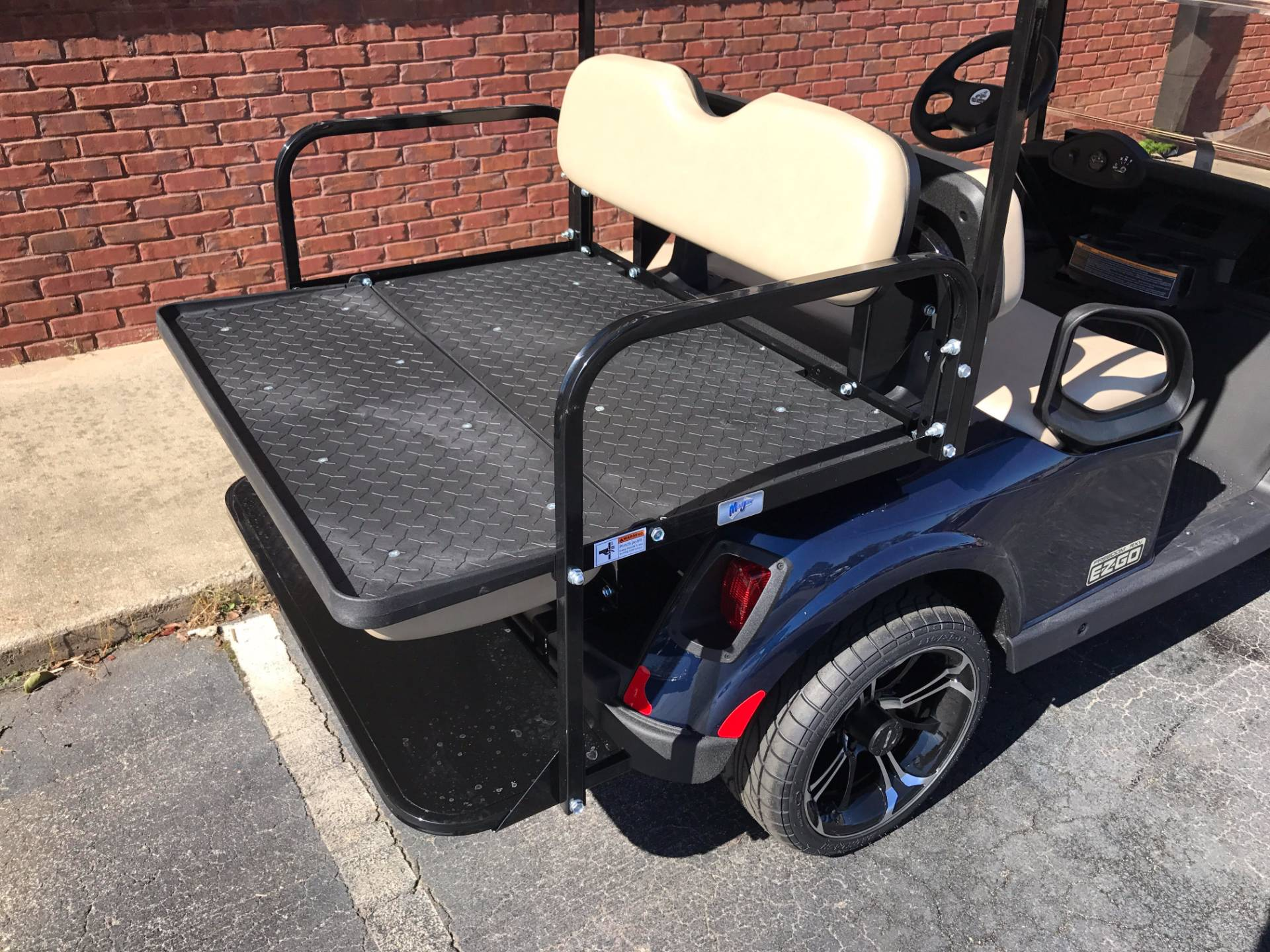 2017 E-Z-Go Golf Freedom RXV Electric in Covington, Georgia