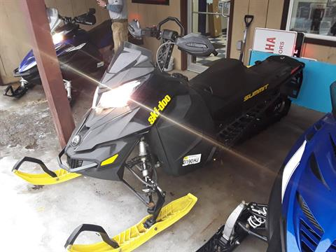 2015 Ski-Doo Summit® SP E-TEC® 600 H.O. 146 in Speculator, New York