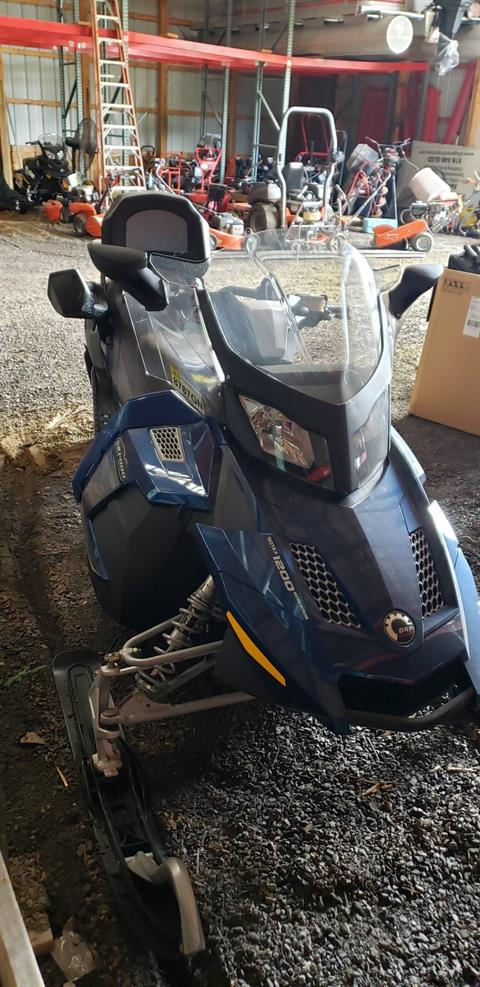 2011 Ski-Doo Grand Touring LE 4-TEC 1200 in Speculator, New York - Photo 3