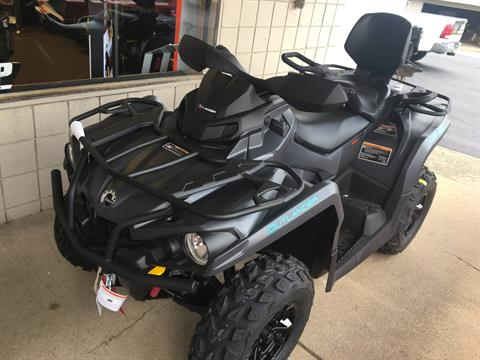2020 Can-Am Outlander MAX XT 570 in Smock, Pennsylvania - Photo 1