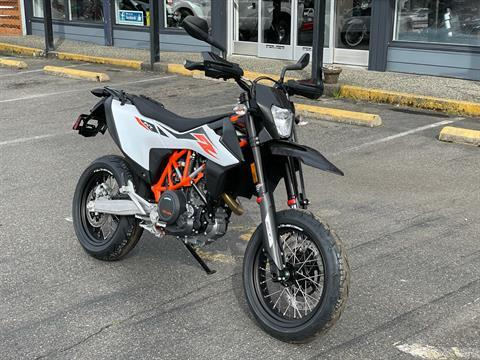 2020 KTM 690 SMC R in Bellingham, Washington - Photo 2