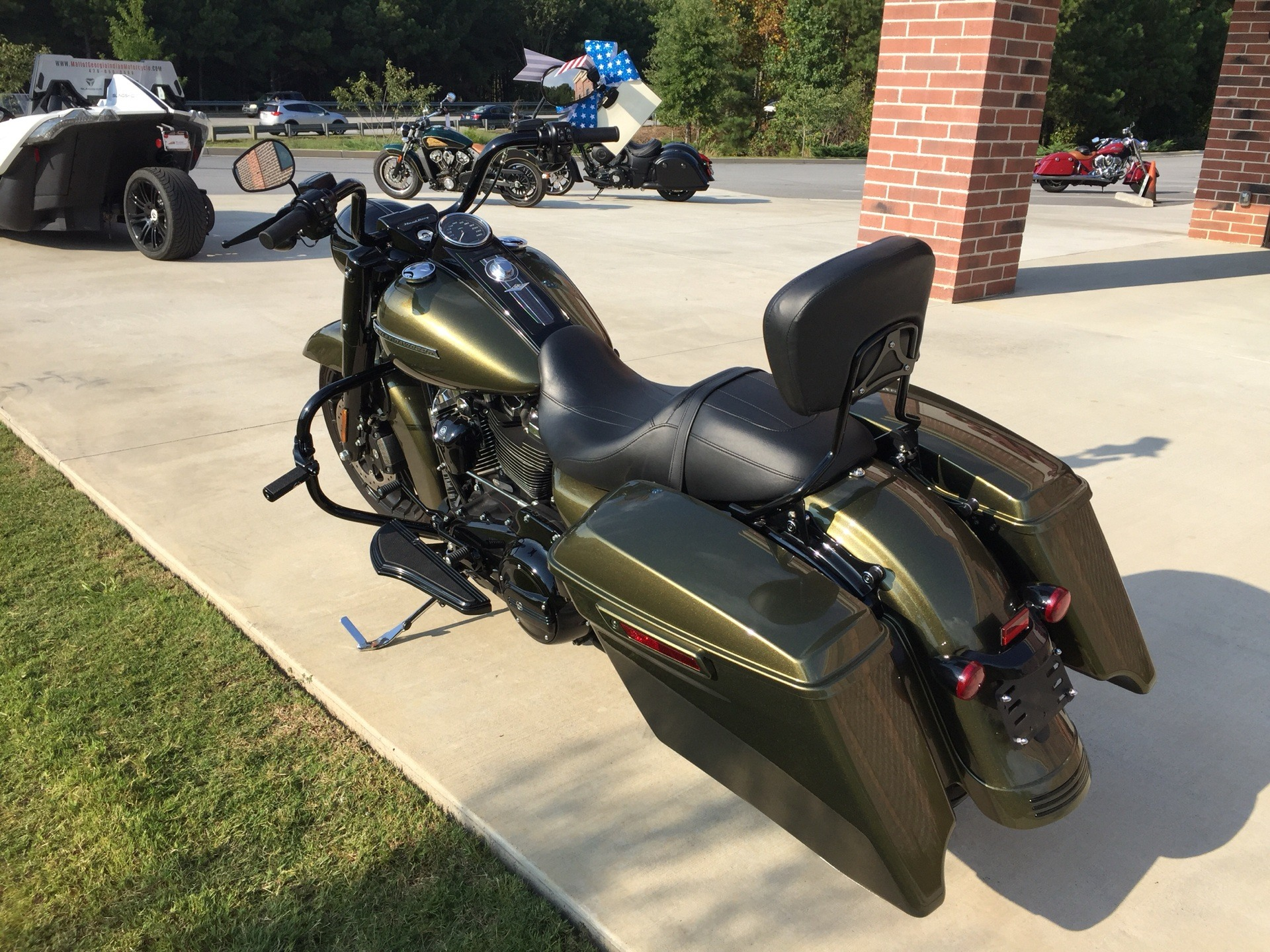 2017 Harley-Davidson Road King® Special in Buford, Georgia - Photo 2