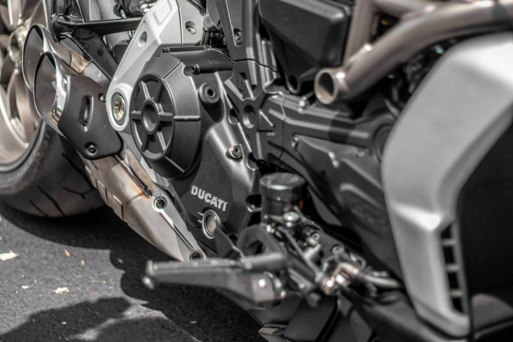 2012 Ducati Diavel Carbon in Boca Raton, Florida - Photo 5