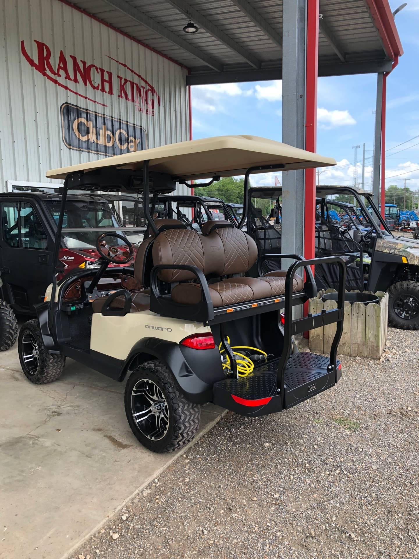 2019 Club Car Onward Lifted 4 Passenger Electric in Brazoria, Texas - Photo 2