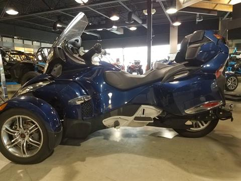 2010 Can-Am Spyder® RT-S SE5 in Batavia, Ohio